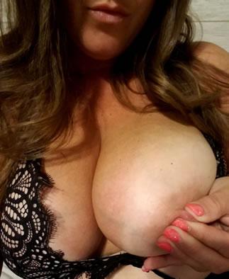 Teenager große Brüste Sex